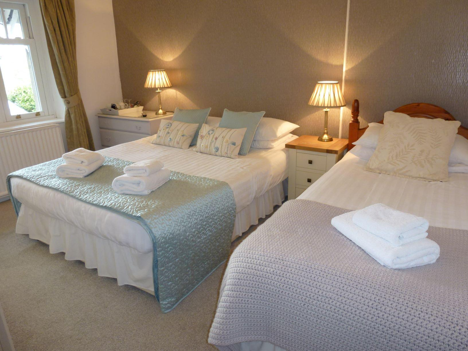 Family Room for 3 people Guest House superior room with lake view en suite bathroom Bassenthwaite near Keswick Lake District